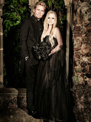 bella-tiara-avril-lavigne-wedding
